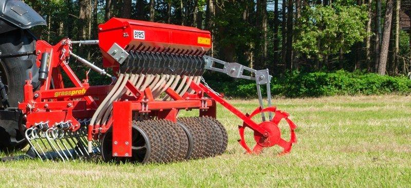 Grass Profi Nachsämaschine, angebaute Ausführung mit mechanischer Sämaschine